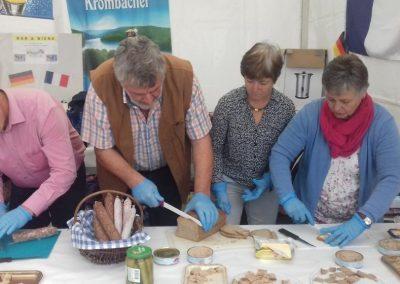 19-10-06-(2) Journées de la Quintinie à Chabanais Vente de produits allemands