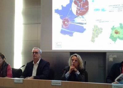 19-10-10-(2) Présentation de Möbius à Angoulême par M. Dauré Président du Grand Angoulême et Mme de Maillard Adjointe maire d'Angoulême